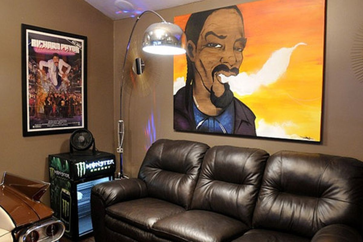 """Snoop Dogg's post-makeover man cave via the <a href=""""http://www.diynetwork.com/home-improvement/awesome-rooms-from-man-caves/pictures/index.html"""">DIY Network</a>"""