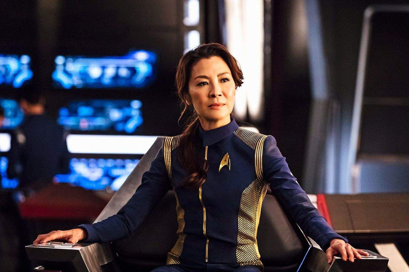 star trek discovery s michelle yeoh might get her own spinoff show for cbs all access