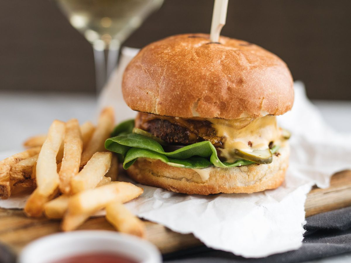 The Best Veggie Burgers In Montreal Eater Montreal