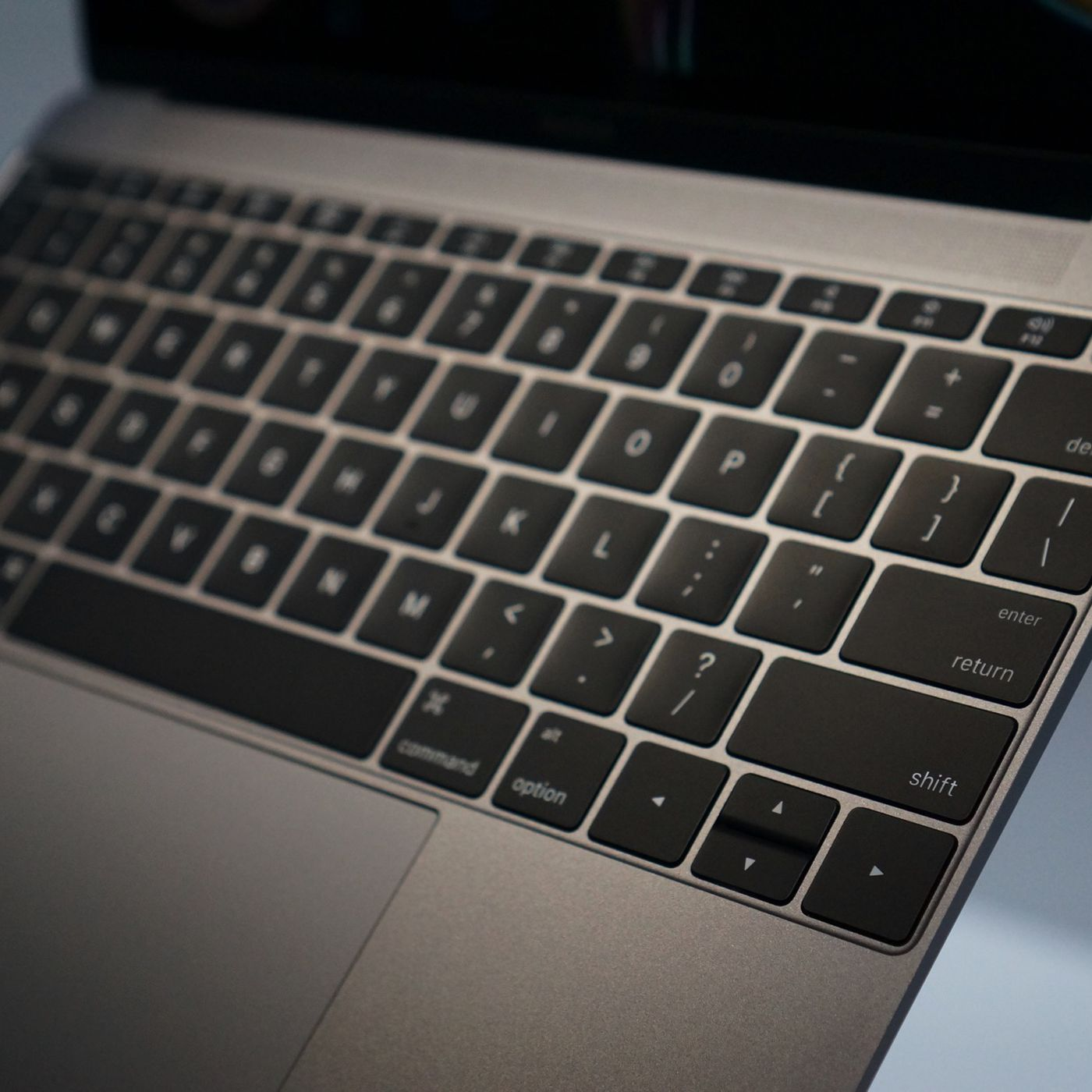 Apple S New Macbook Keyboard Fix Is Reassuring And Worrying At The Same Time The Verge