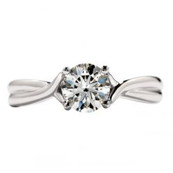 Hearts On Fire Simply Bridal Twist Solitaire Ring with Sensational Center Diamond