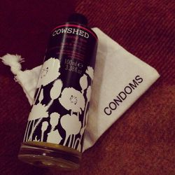 Apparently Shoreditch House wants its guests to be prepared. In-room amenities include Cowshed's Horny Cow Seductive Bath and Body Oil. Let's just say I opted for sleep-inducing lavender body wash, a hot water bottle (also provided by the hotel), and some
