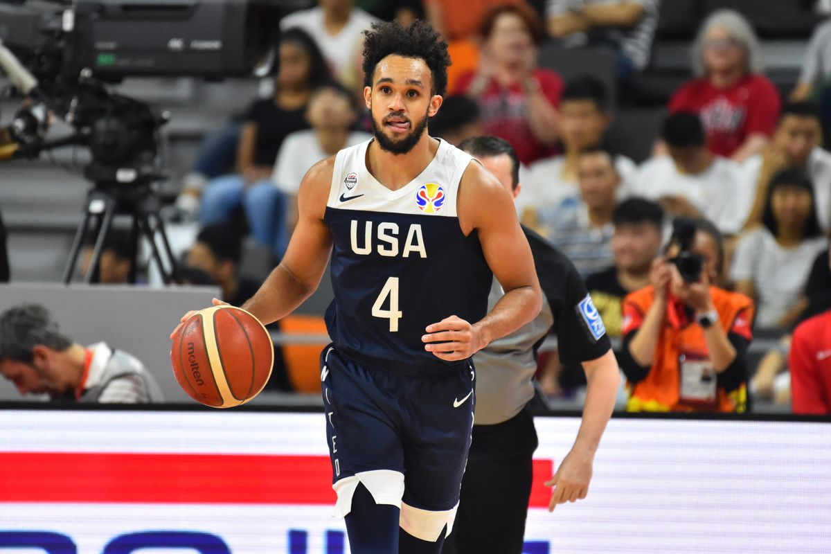 Rethinking Derrick White's role on the Spurs
