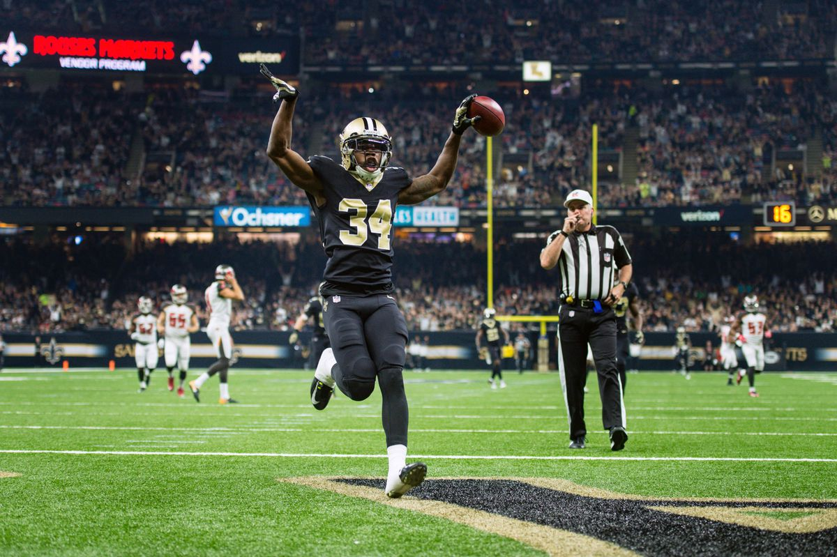 New Orleans, LA, USA; New Orleans Saints defensive back Justin Hardee  scores a touchdown after blocking a punt by Tampa Bay Buccaneers kicker  Bryan Anger at Mercedes-Benz Superdome.