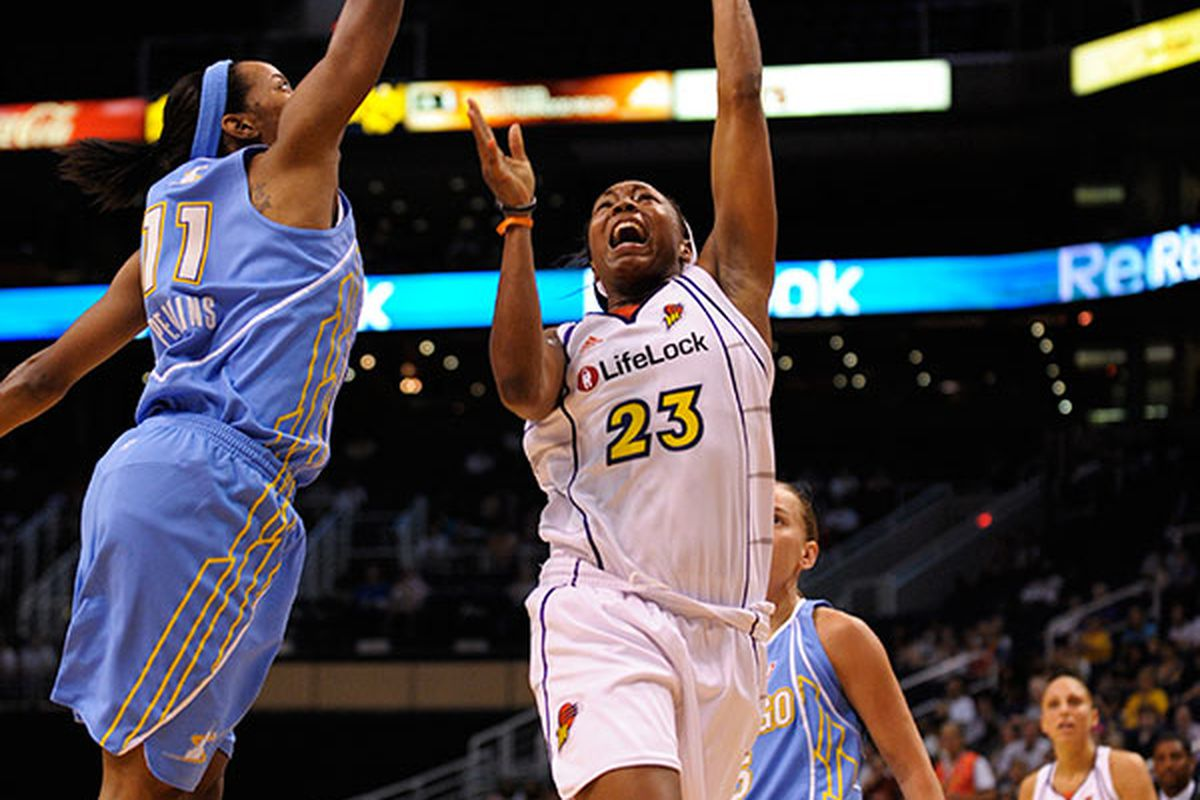 Cappie Pondexter contributed 16 points and 6 assists in the Mercury's 90-70 win over the Chicago Sky. Phoenix, July 8th, 2009. Photo by Max Simbron