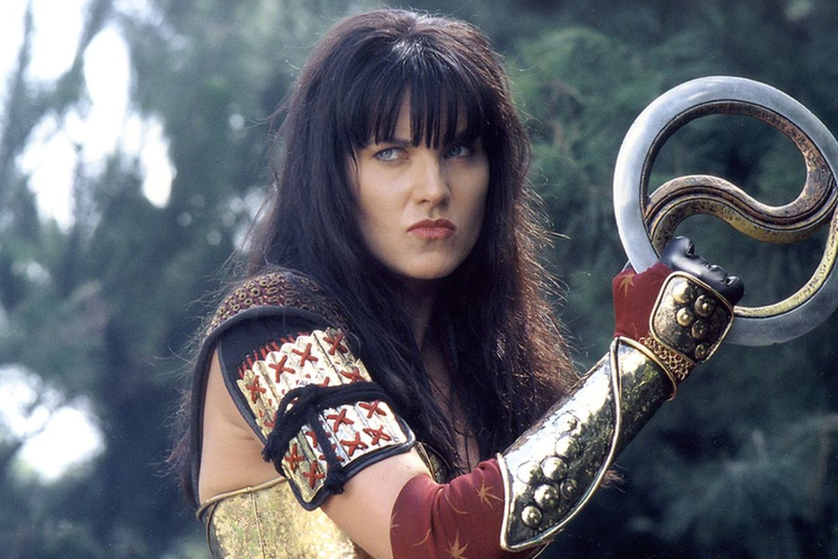 Xena with the legendary Yin and Yang car rim