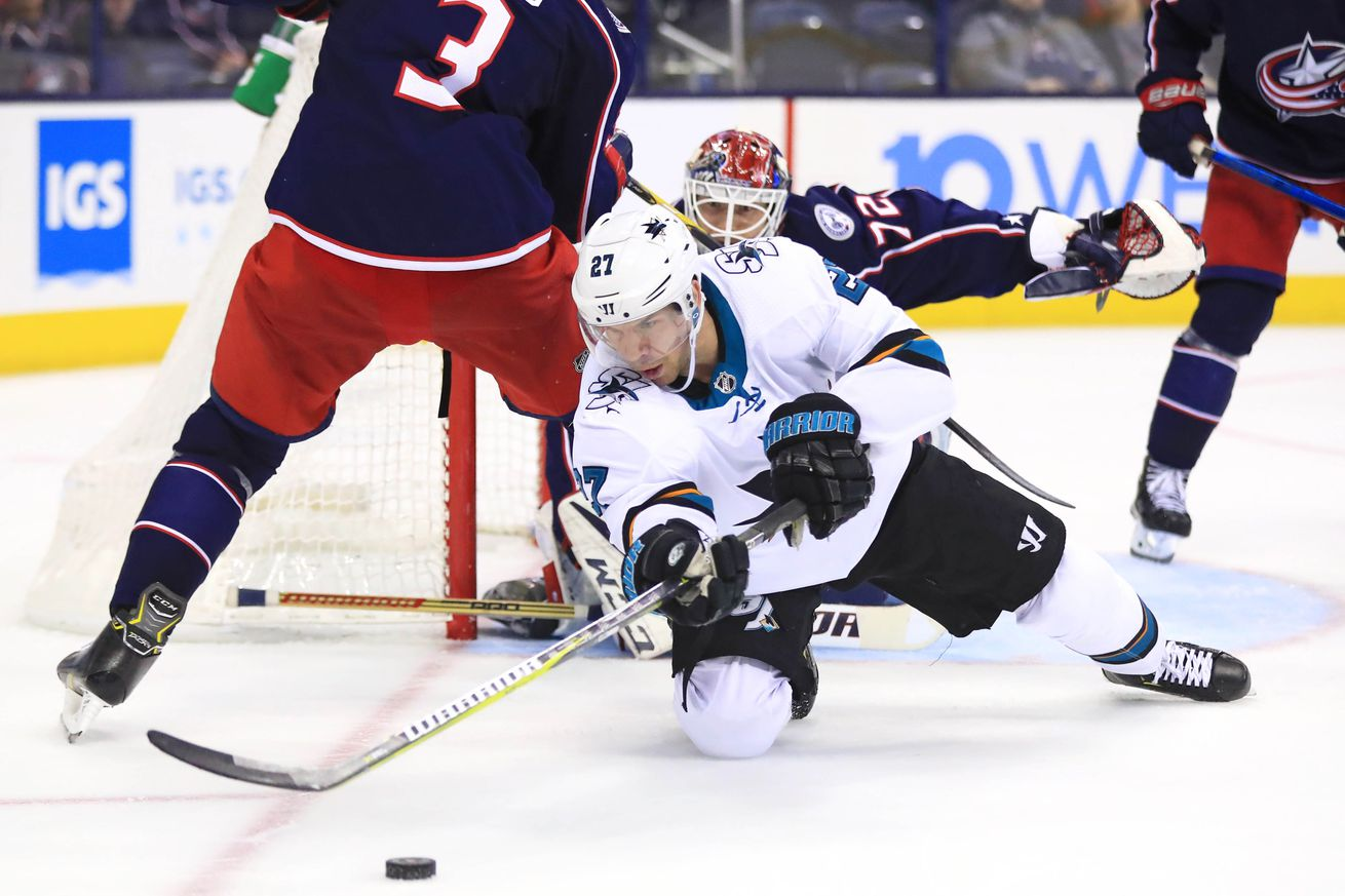 Winning Play: Are Sharks bad in early games?