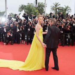 Charlize Theron in Dior and Sean Penn