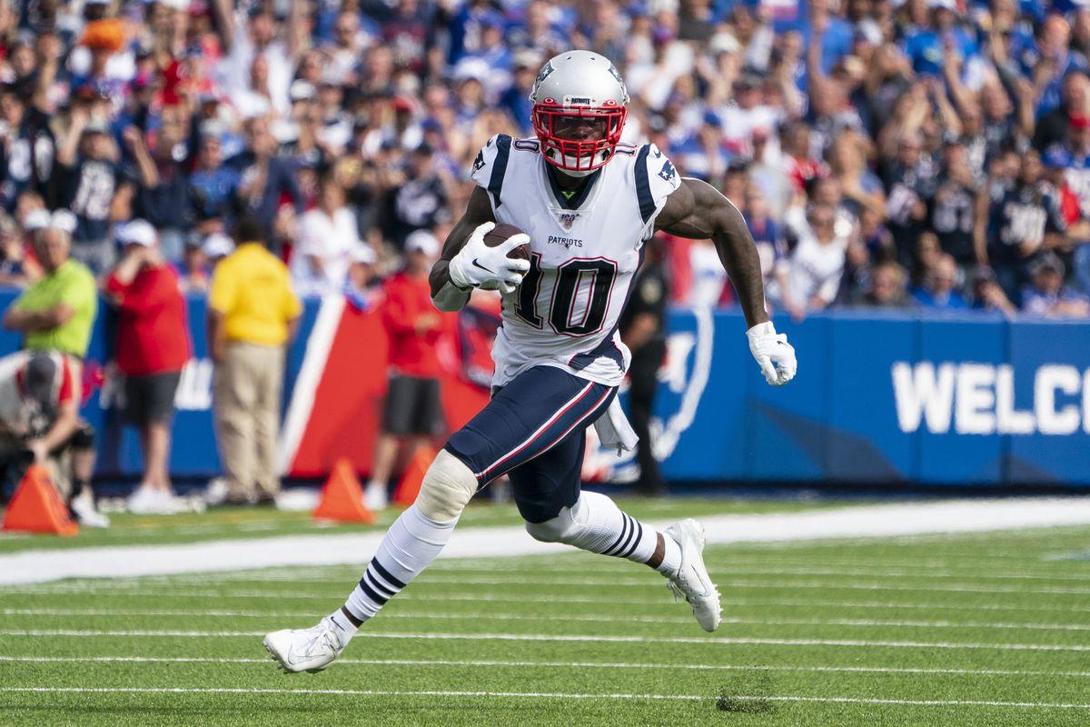 NFL: SEP 29 Patriots at Bills