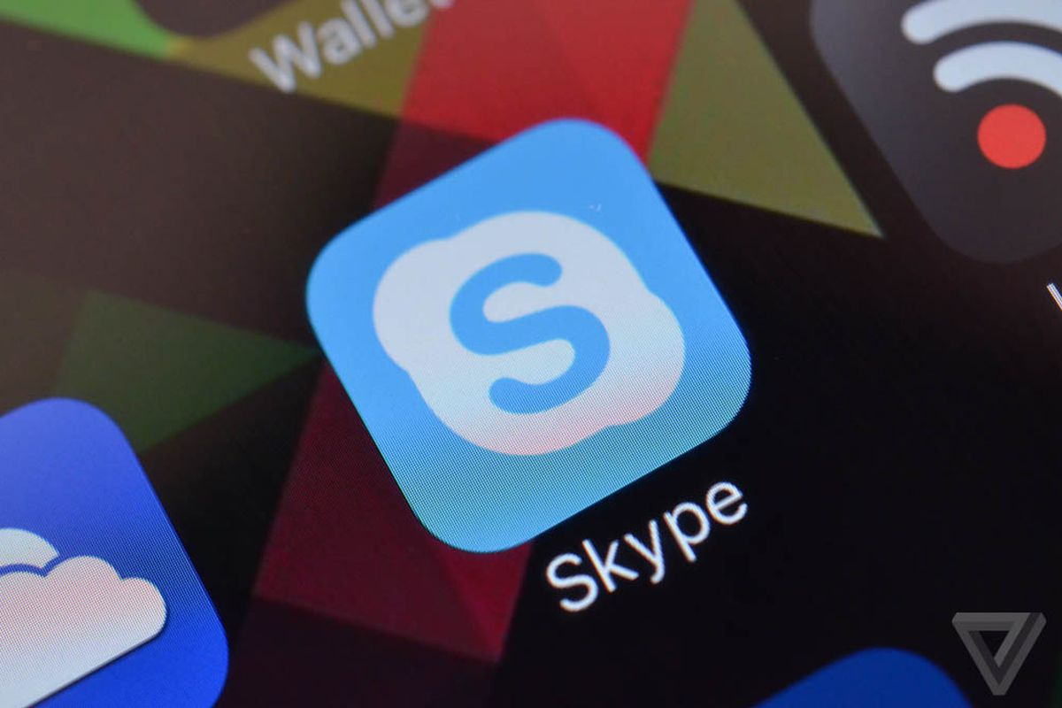 Skype for iOS now lets you reply to messages from