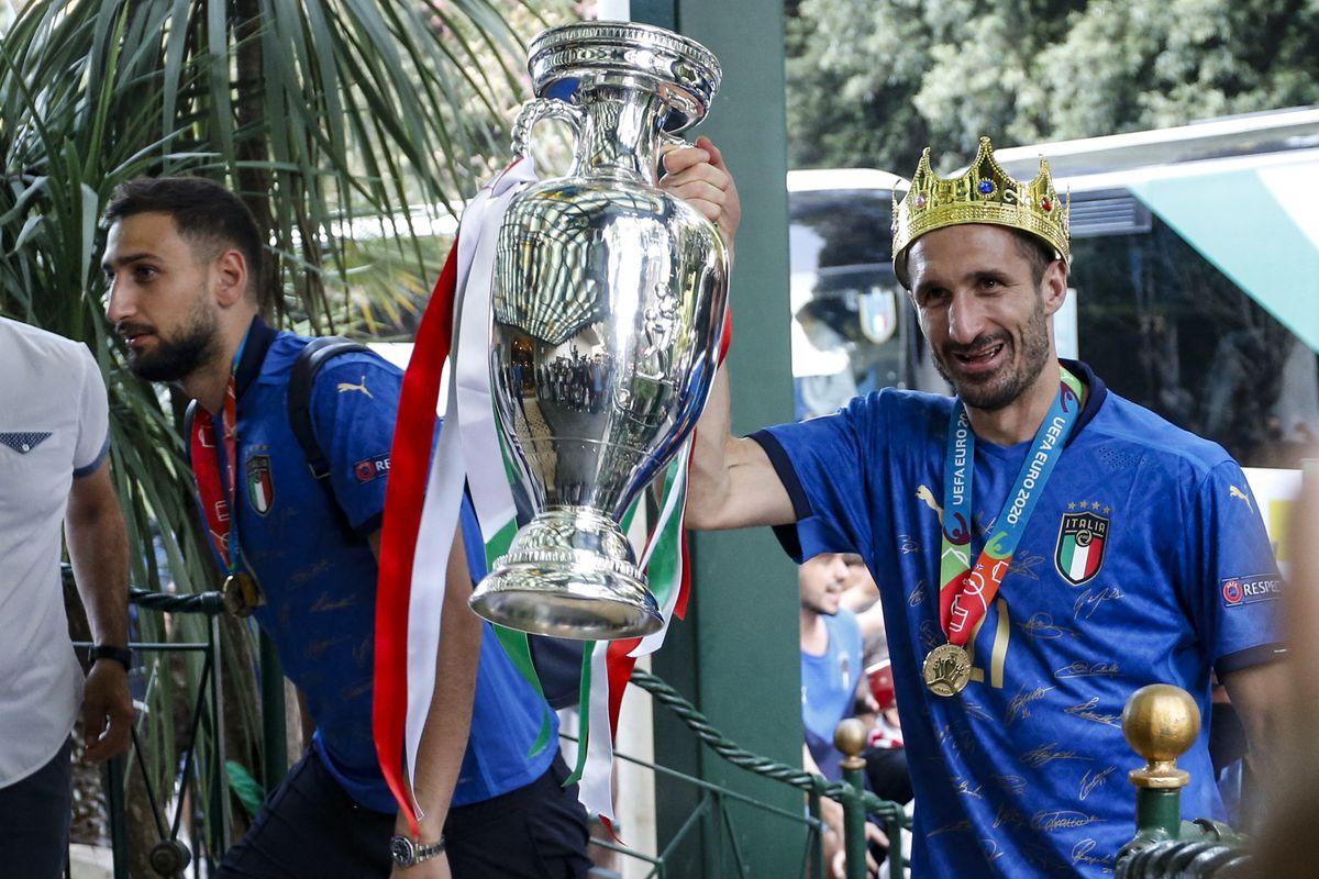 TOPSHOT-FBL-EURO-2020-2021-ITALY