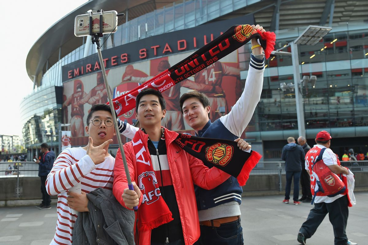 Pro tip: Use a selfie stick to capture the entire horribleness of a half-and-half scarf.