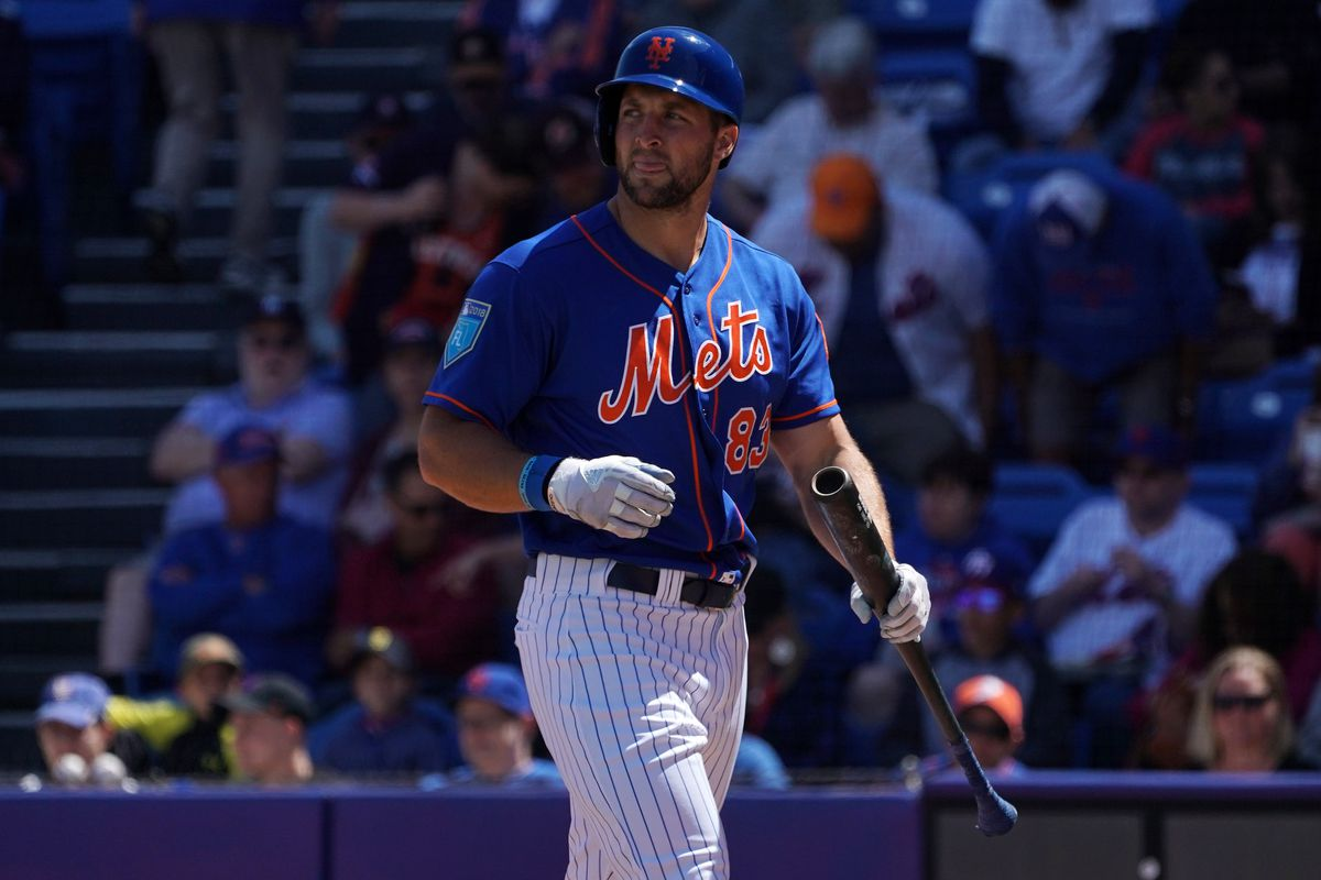 4b3afe90a3dc52 New York Mets: Tim Tebow in Binghamton outfield shows a different problem
