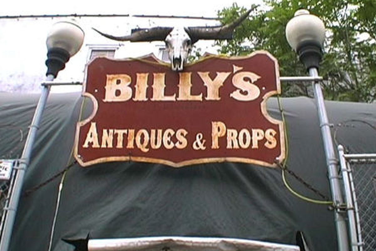 """Image via <a href=""""http://www.billysantiques.com/"""">Billy's Antiques</a>"""