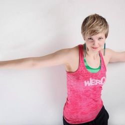 """Actor/dancer <a href=""""http://chicago.racked.com/archives/2014/08/13/hottest-trainer-contestant-3-angie-shriner.php"""">Angie Shriner</a> of <a href=""""http://www.cheetahgym.com/"""">Cheetah Gym</a>"""