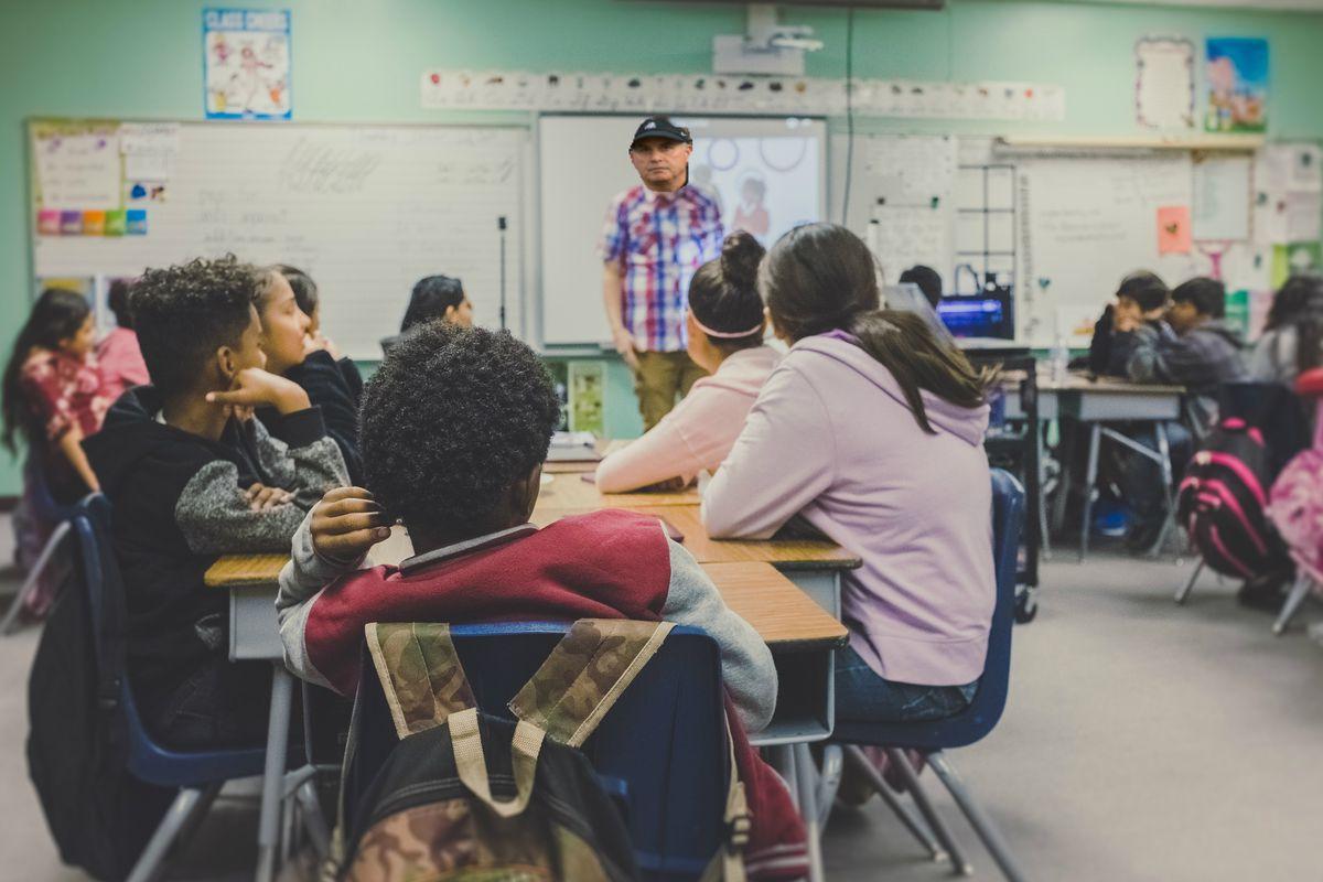 Meet The Teacher Night at Big 12 Middle School - Frogs O' War