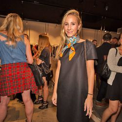 Stylish partygoer Natalie Bond's scarf game is on-point.