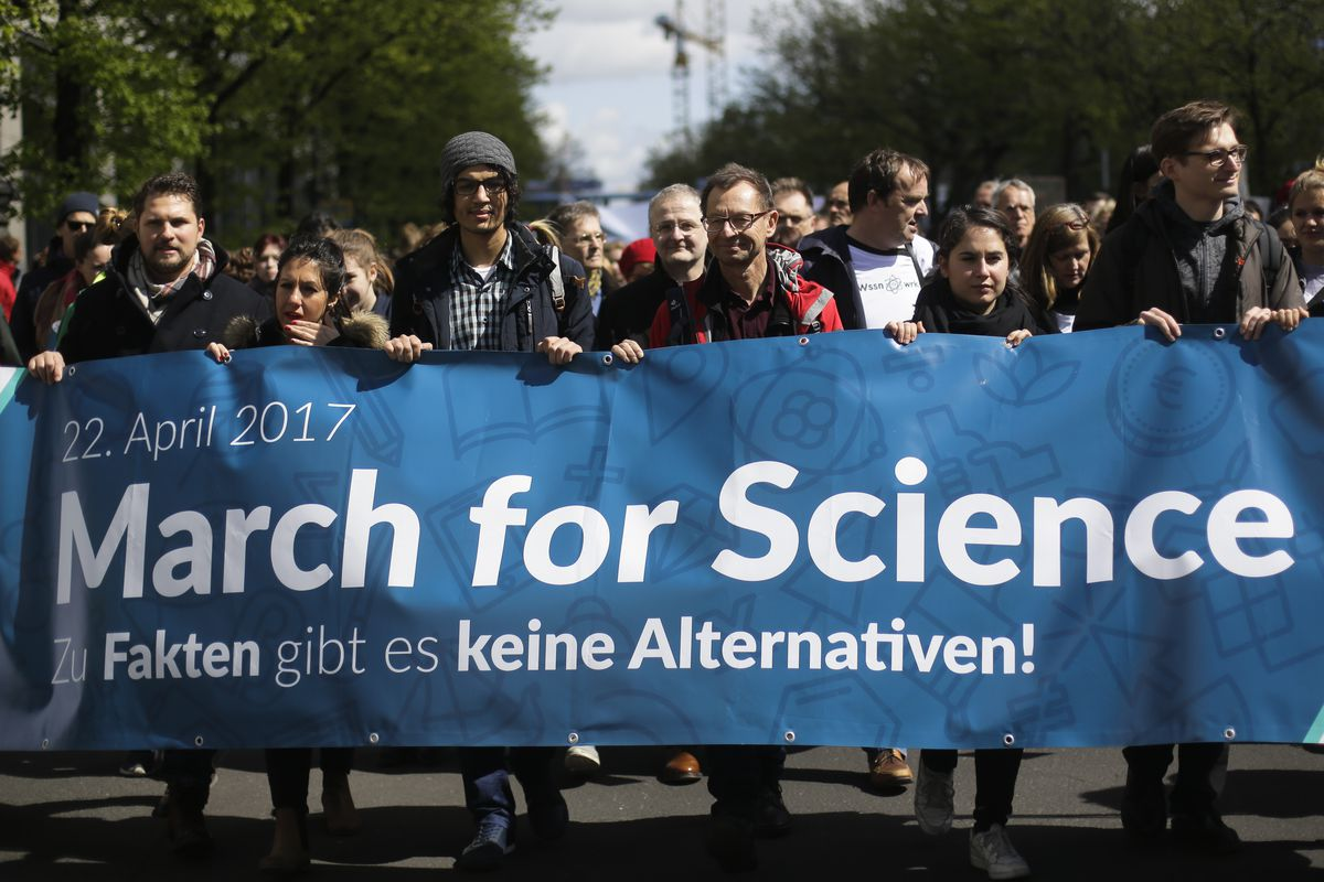 Thousands of demonstrators attend the March for Science in Berlin on Saturday.   Markus Schreiber/Associated Press