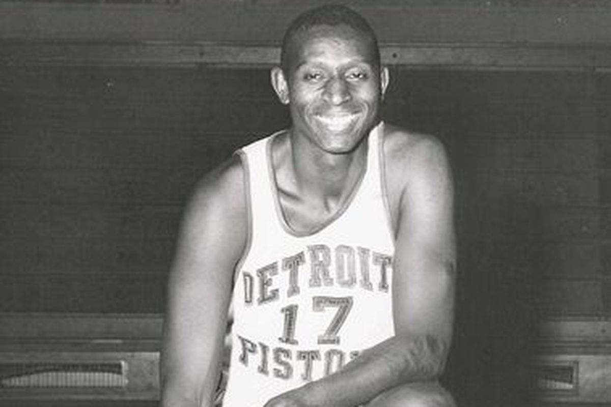 Ex-Piston, first black NBA player Earl Lloyd passed away ...
