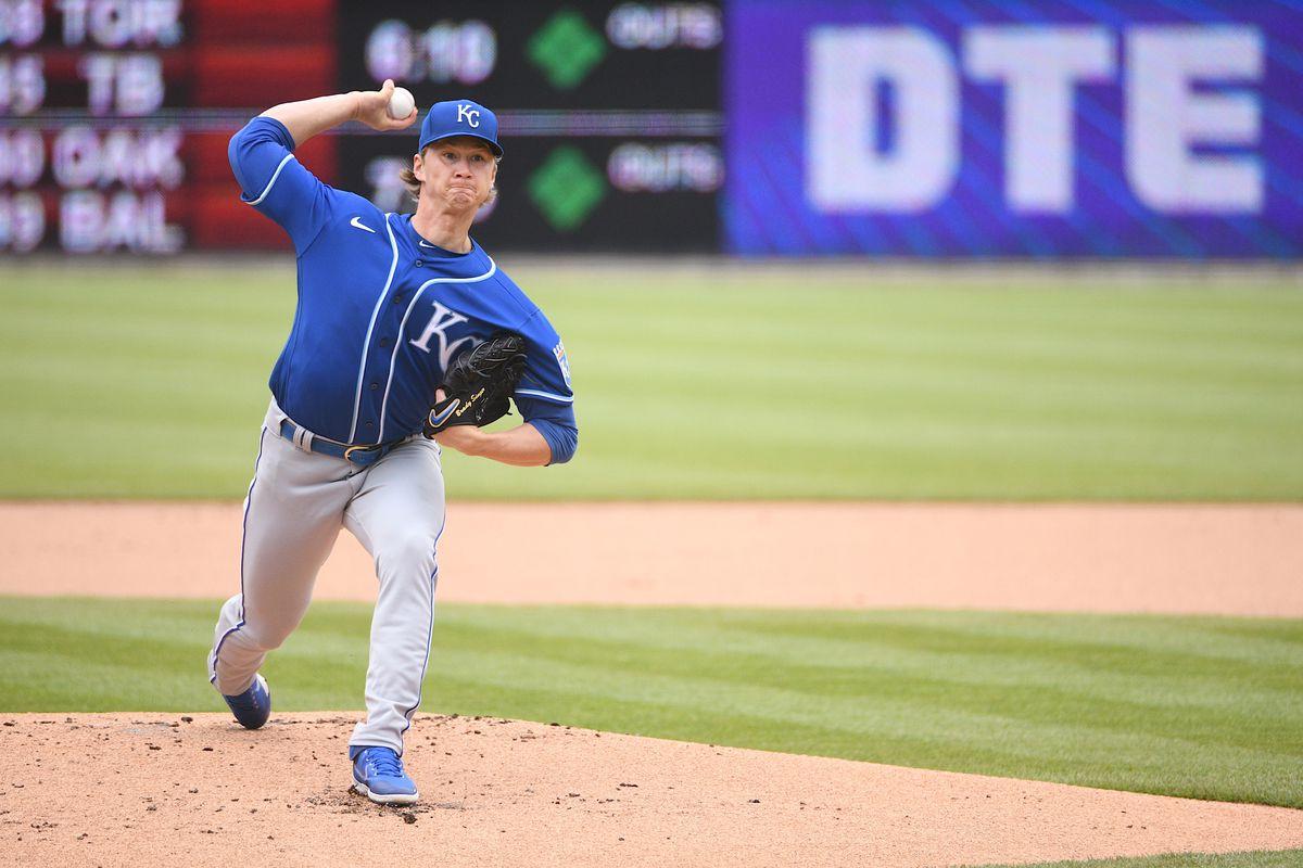 Brady Singer throws a pitch