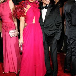 Jennifer Lopez in Gucci. Congrats to Marc Anthony for finding a way to look alive on the red carpet.
