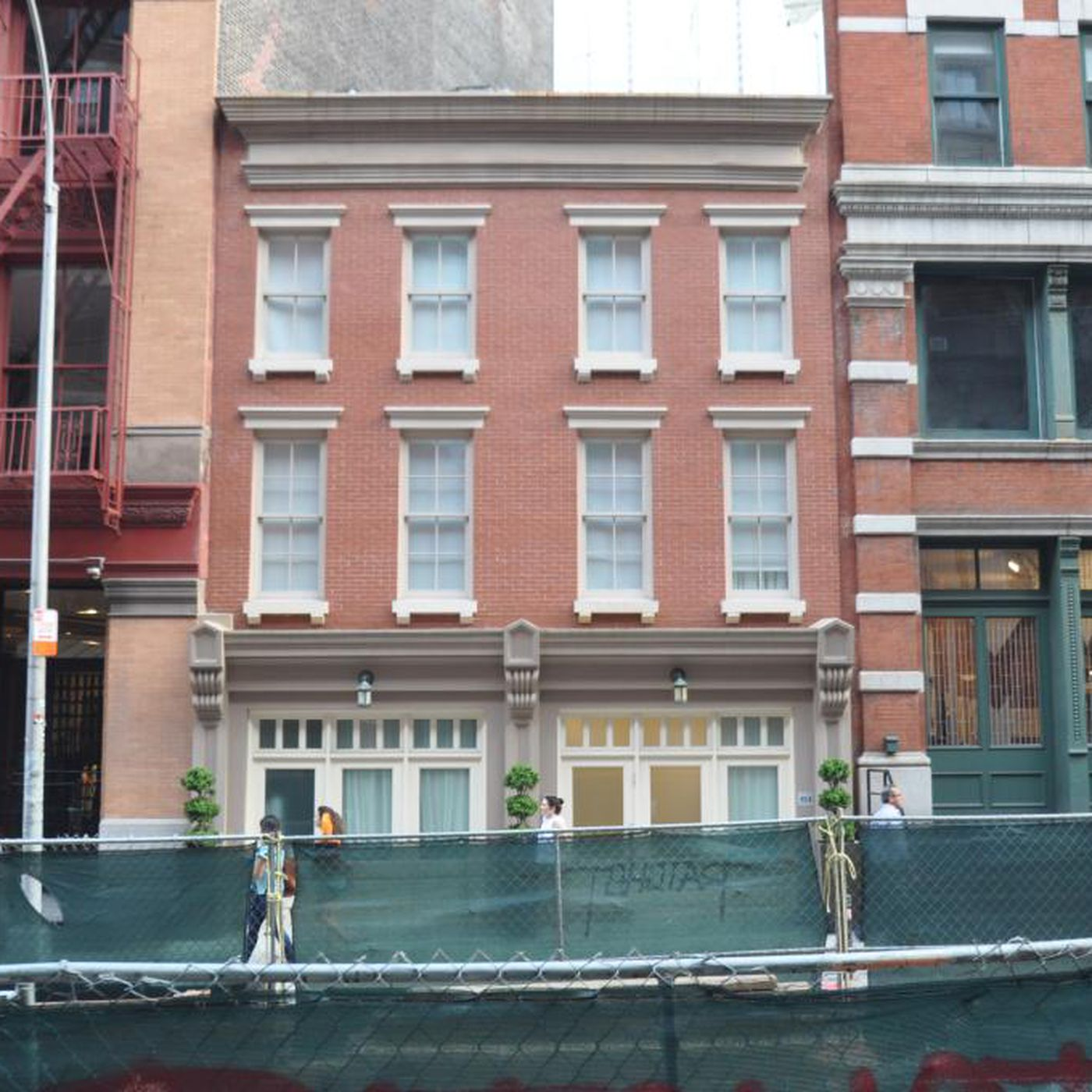 Taylor Swift May Have Just Bought A Tribeca Townhouse Curbed Ny