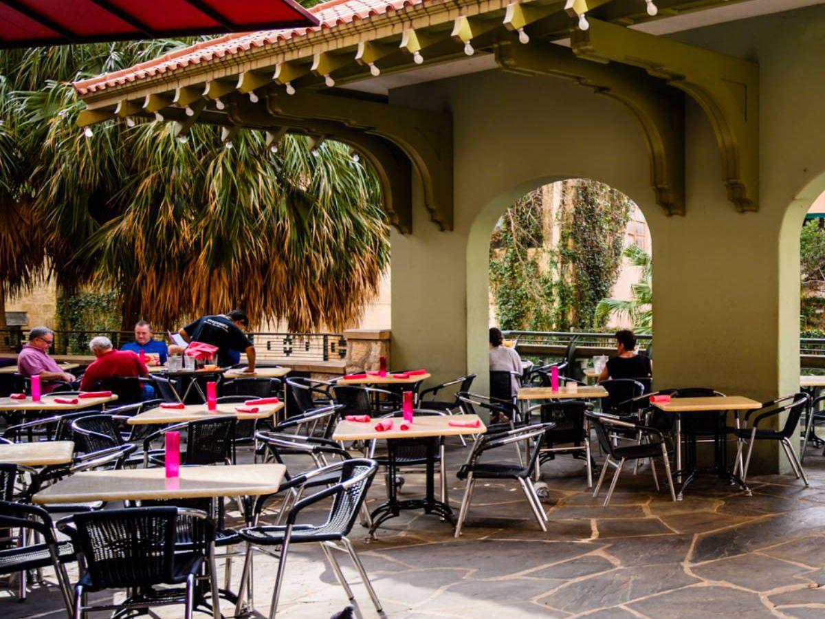 The patio of Acenar restaurant in San Antonio.