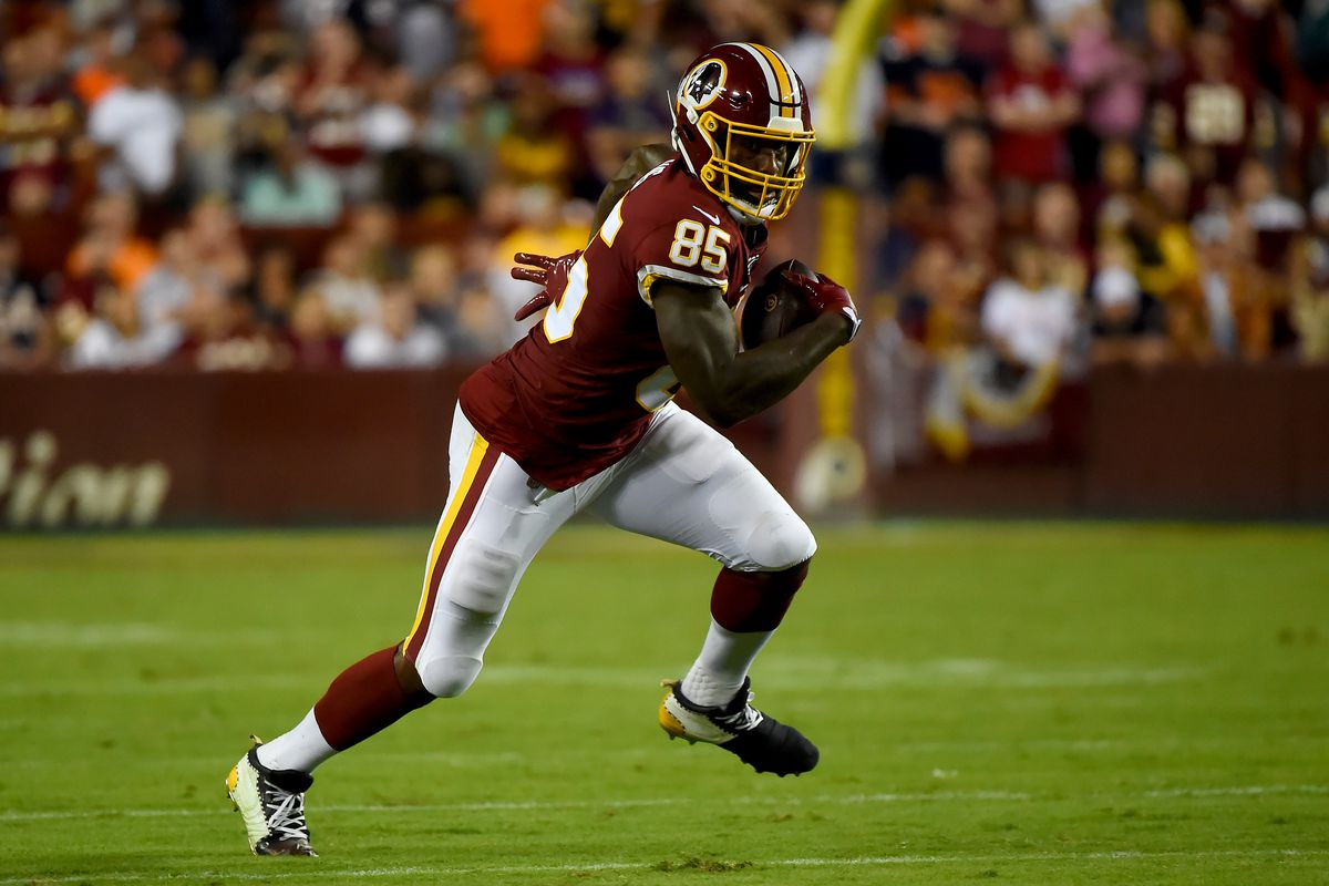 Washington tight end Vernon Davis runs against the Chicago Bears during the second half at FedExField on September 23, 2019 in Landover, Maryland.