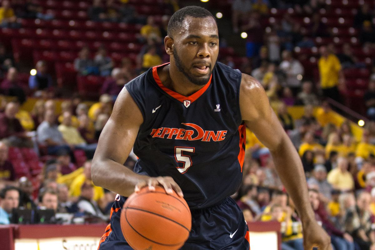 Pepperdine's Stacy Davis led the Waves with 22 points against BYU.