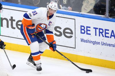 NHL: New York Islanders at St. Louis Blues