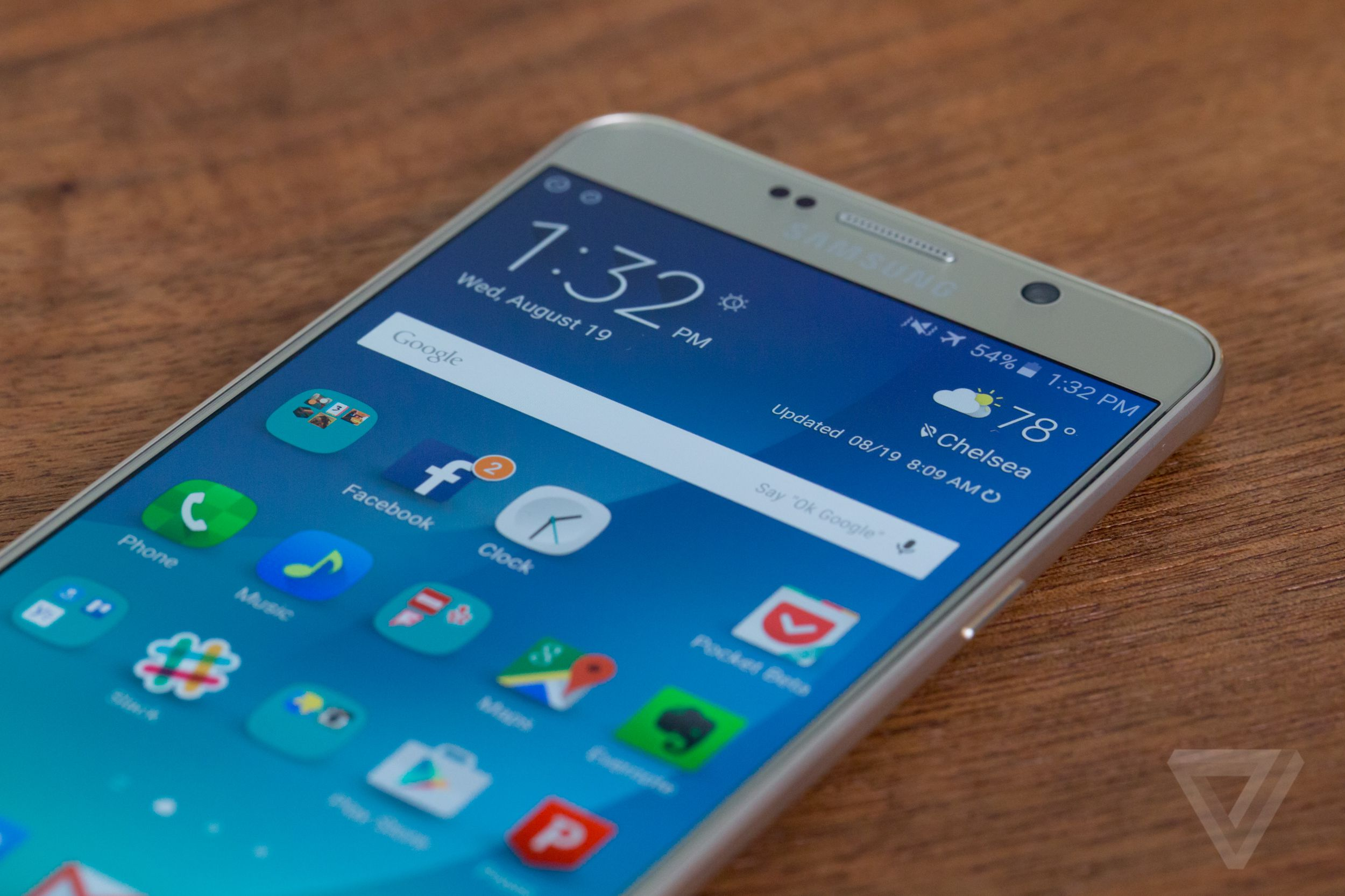 samsung galaxy note 5 review the verge the note 5 is running on android 5 1 with samsung s suite of software essentially unchanged from the s6 here as well samsung s lighter touch is still