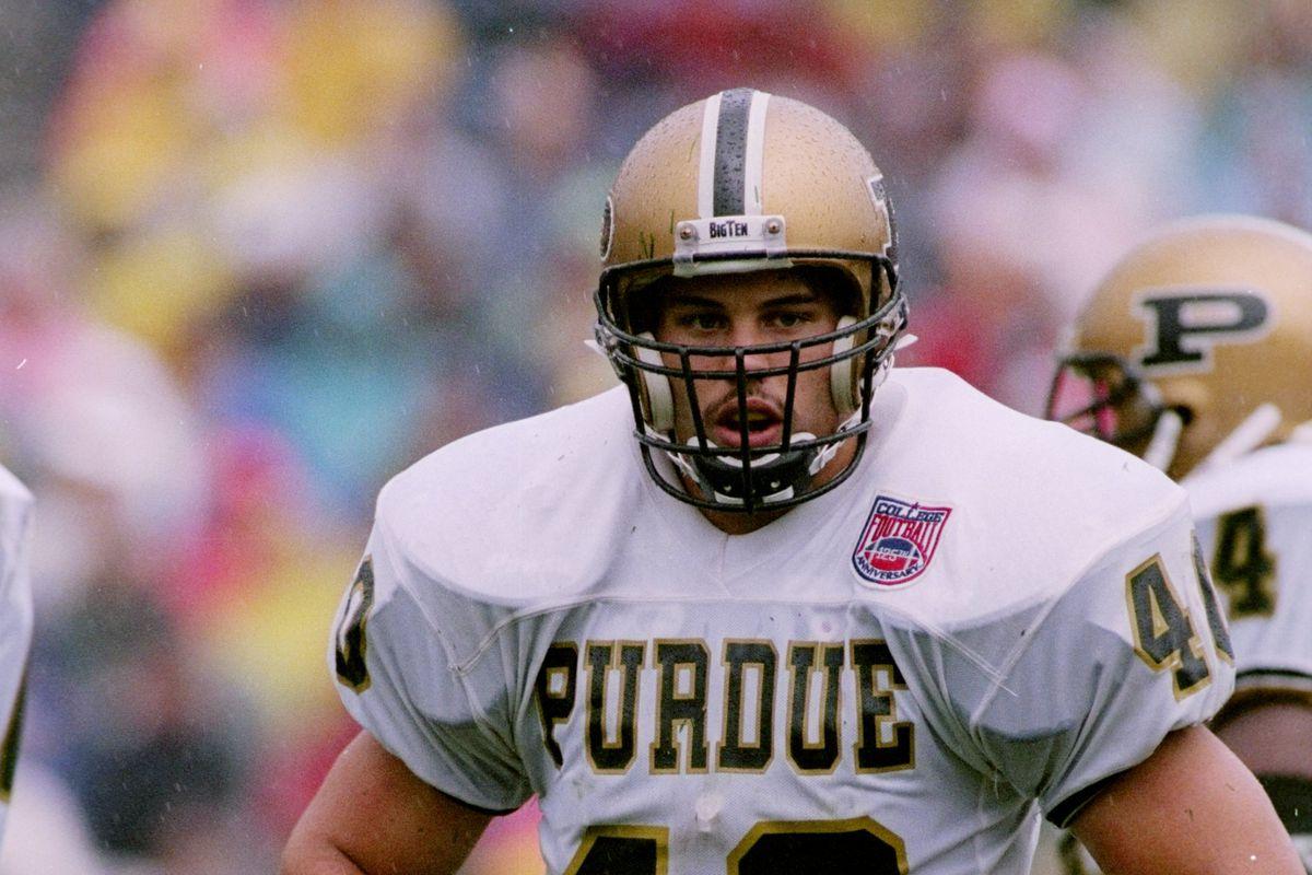 Can a quarterback wear #40?