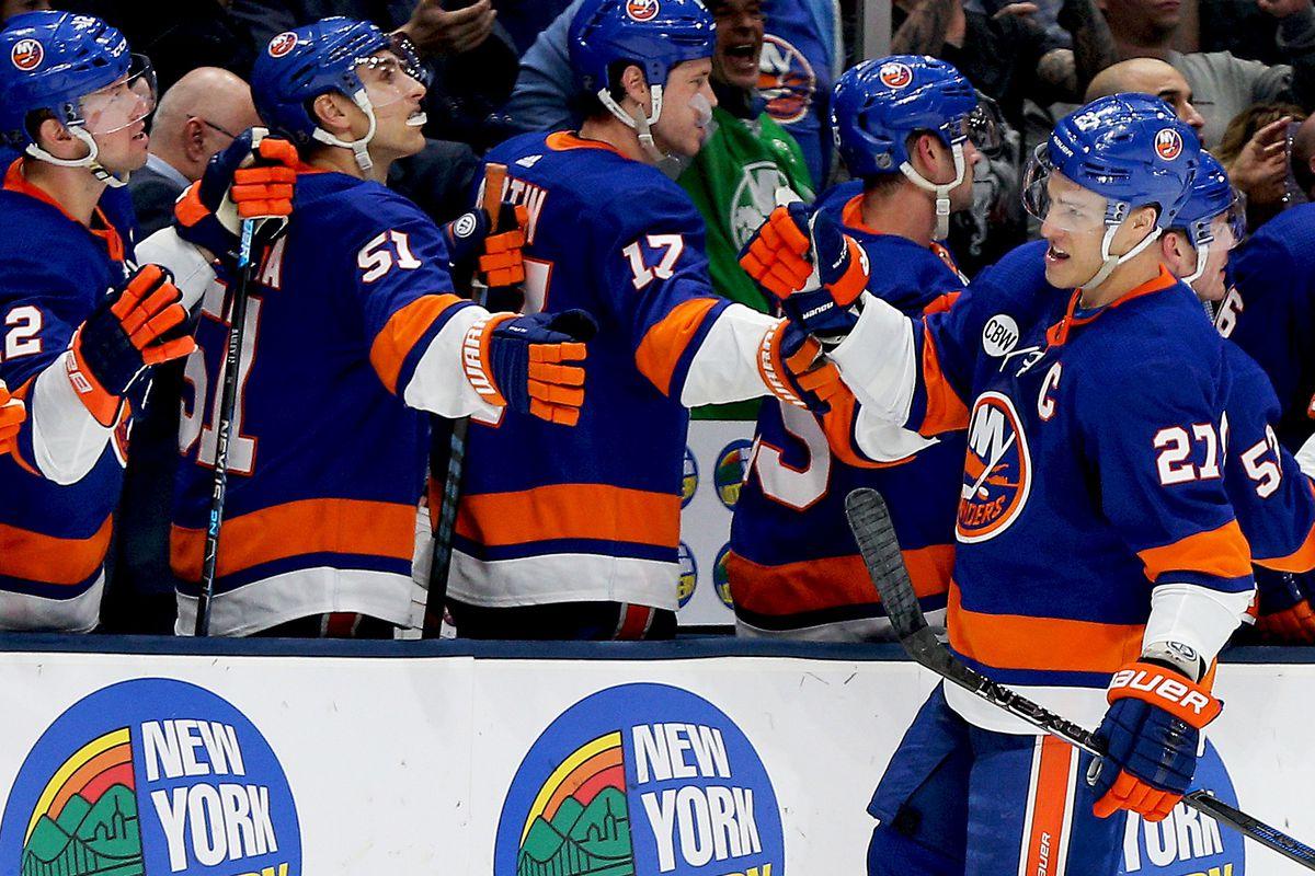 NHL: Montreal Canadiens at New York Islanders