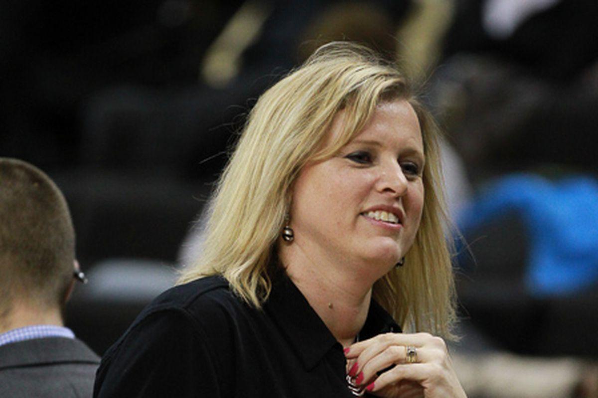 Head Coach Jen Hoover