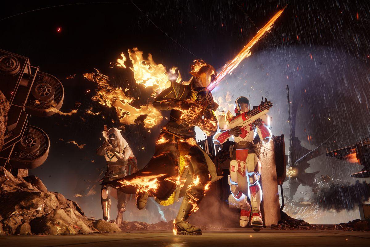 Destiny 2 campaign - three Guardians attacking