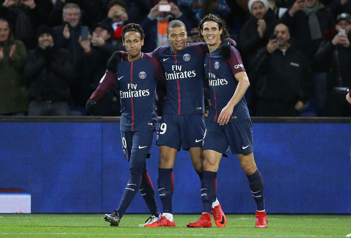 Paris Saint Germain v Dijon FCO - Ligue 1