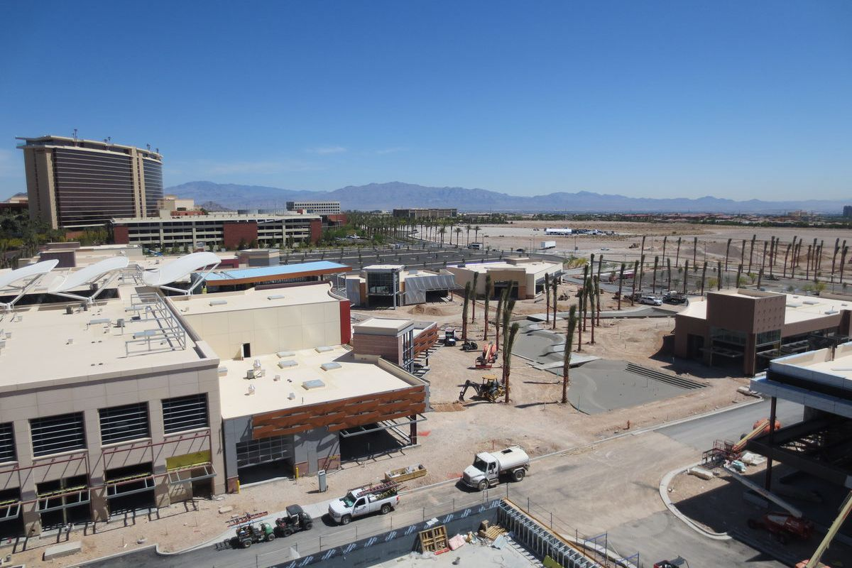 """Looking out on Downtown Summerlin and the freestanding restaurants there. <span class=""""credit""""><em>[Photos: Susan Stapleton]</em></span>"""