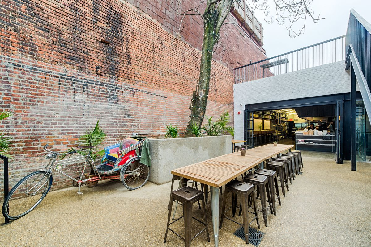 Outdoor seating at Maketto