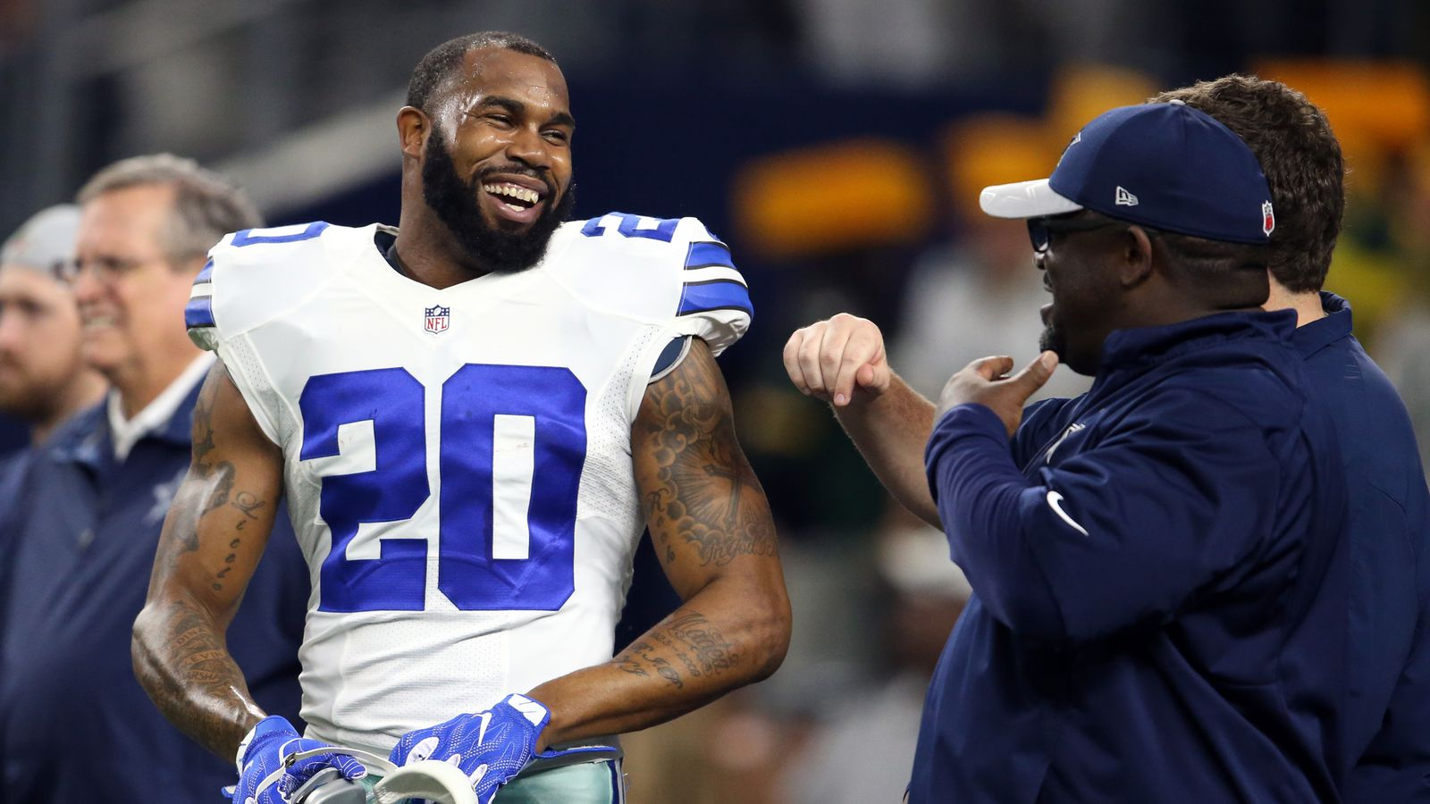 Darren Mcfadden Agrees To 1 Year Deal With Cowboys