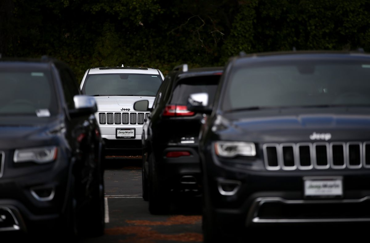Chrysler Leads Automakers In Strong Monthly Sales Numbers
