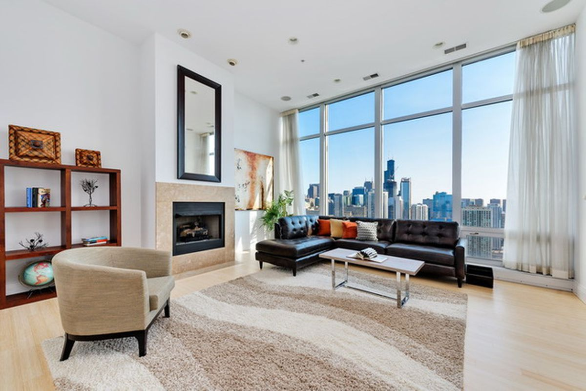 River North penthouse with sweeping skyline views takes another
