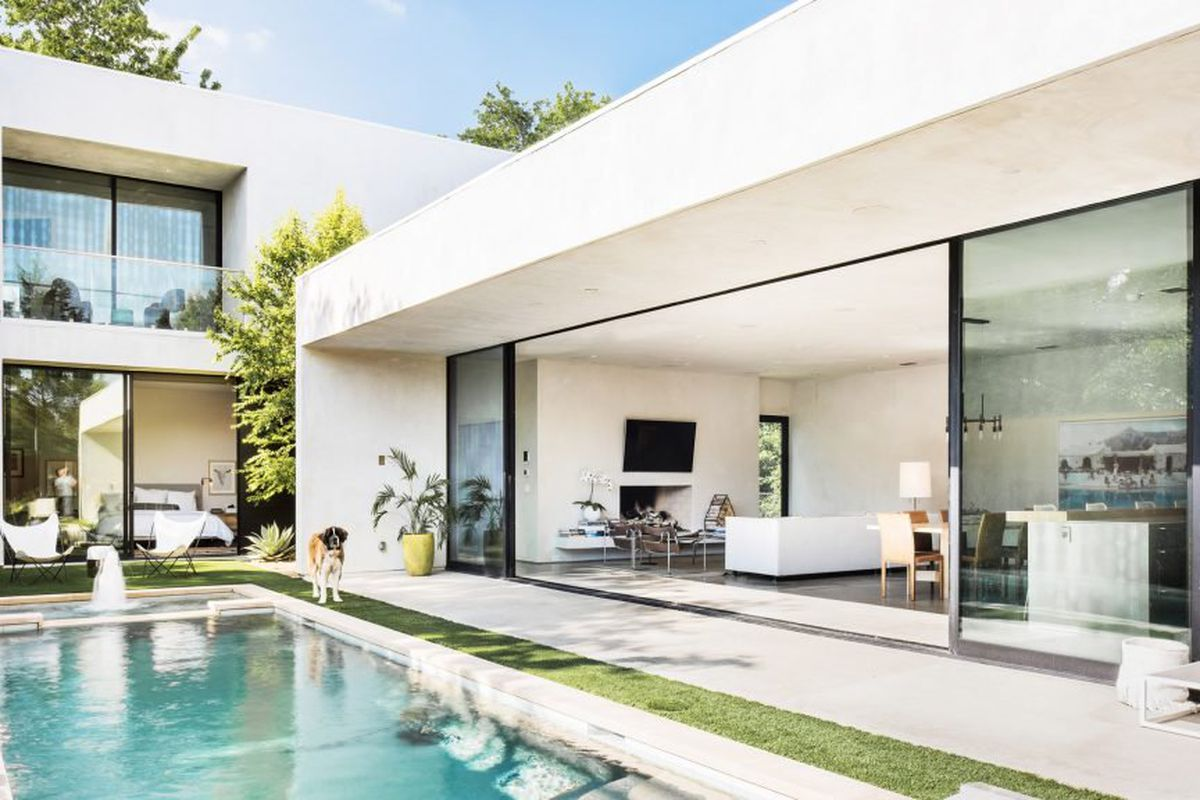 Sleek modern home is an indoor outdoor dream in dallas Modern residence