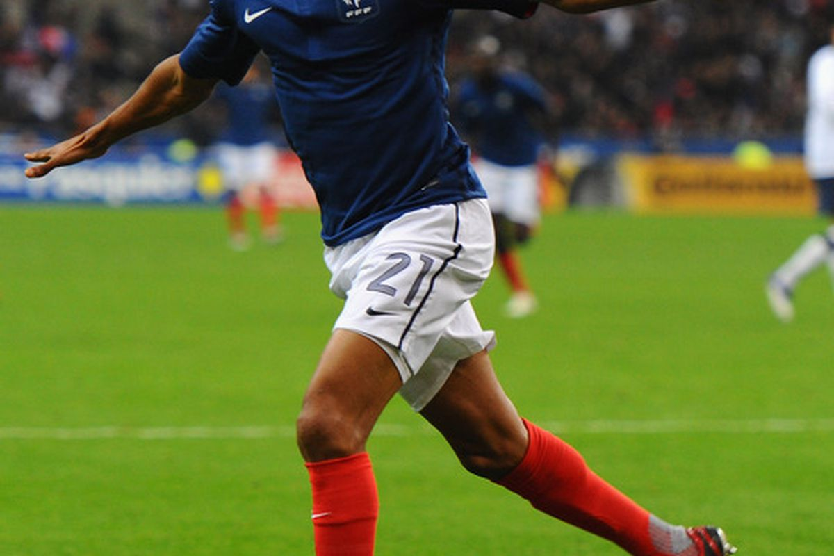 PARIS, FRANCE - NOVEMBER 11:  Loic Remy of France celebrates after scoring the only goal during the International Friendly between France and USA at Stade de France on November 11, 2011 in Paris, France.  (Photo by Mike Hewitt/Getty Images)