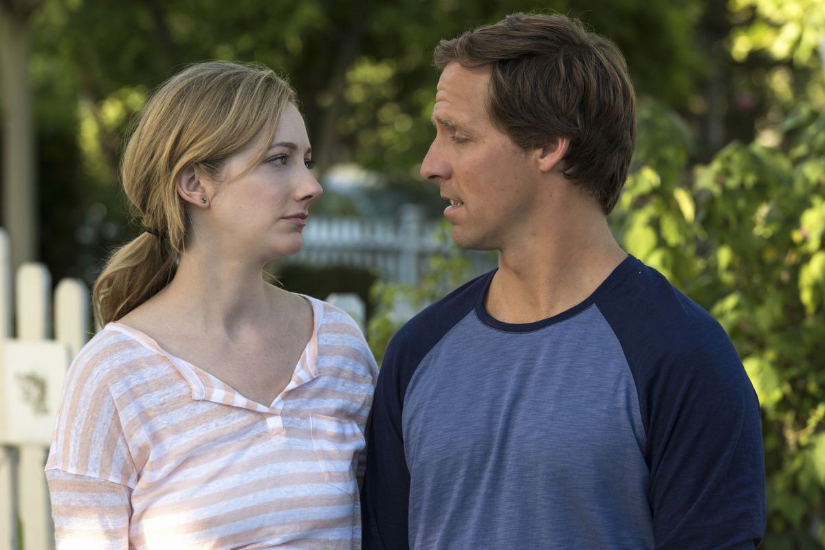 Judy Greer and Nat Faxon in Married.