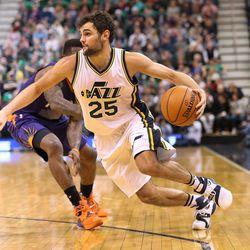 Utah Jazz guard Raul Neto (25) as the Utah Jazz and the Phoenix Suns play NBA basketball  Monday, Dec. 21, 2015, in Salt Lake City.