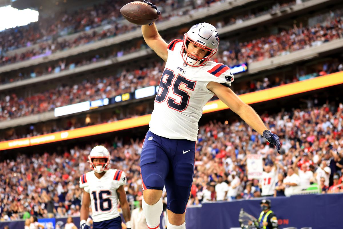 Hunter Henry #85 of the New England Patriots celebrates a touchdown during the second half against the Houston Texans at NRG Stadium on October 10, 2021 in Houston, Texas.