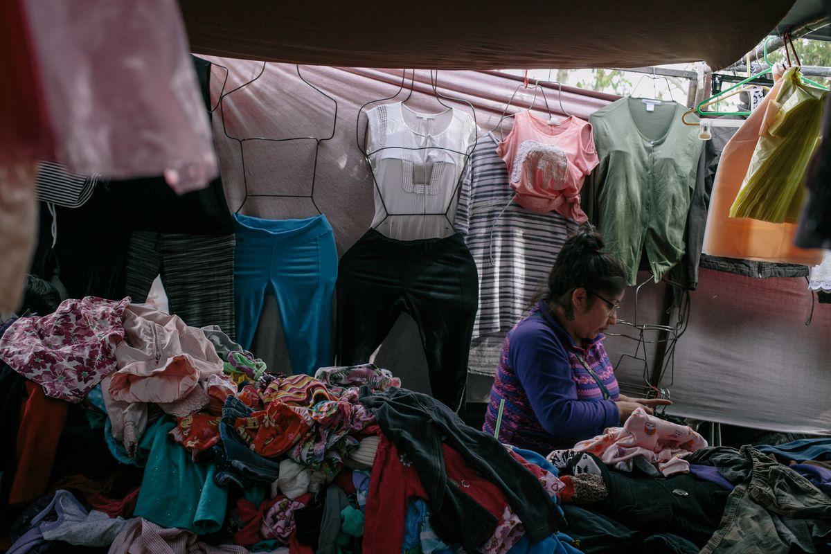 7d692d6302f1d Muchos artículos vendidos en los mercados de Tijuana se compran en los  Estados Unidos