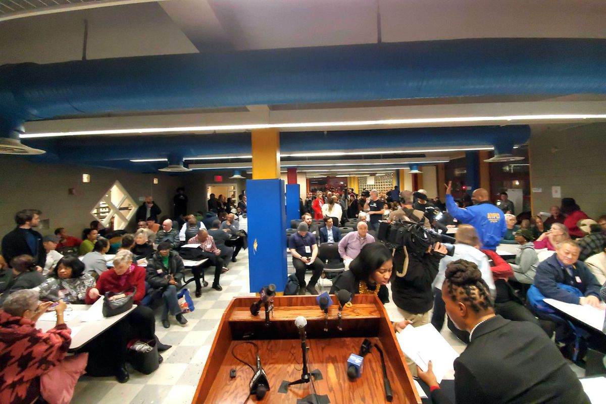 Community members split into groups to hash out ideas for park and neighborhood improvements at Morningside Park forum, on Jan 29, 2020.