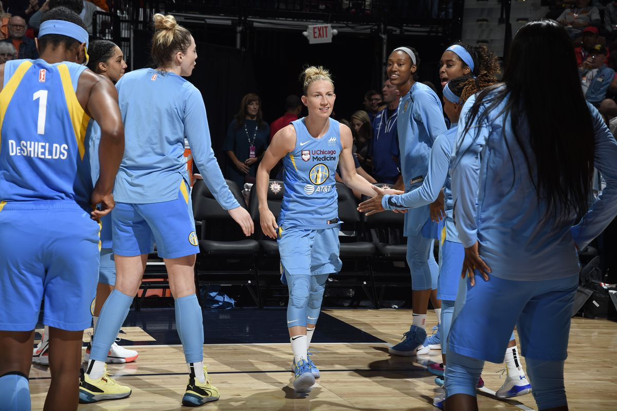 Sky PG Courtney Vandersloot earns third consecutive peak performer award