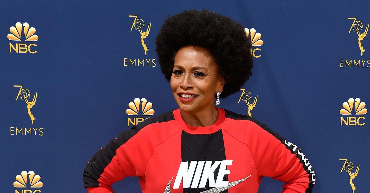ebb5c9c214862 Emmys: Black-ish's Jenifer Lewis wore Nike to support Colin Kaepernick - Vox